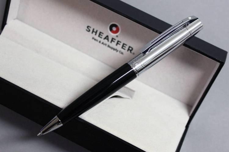 9314 BP Długopis Sheaffer kolekcja 300, czarny, wykończenia chromowane